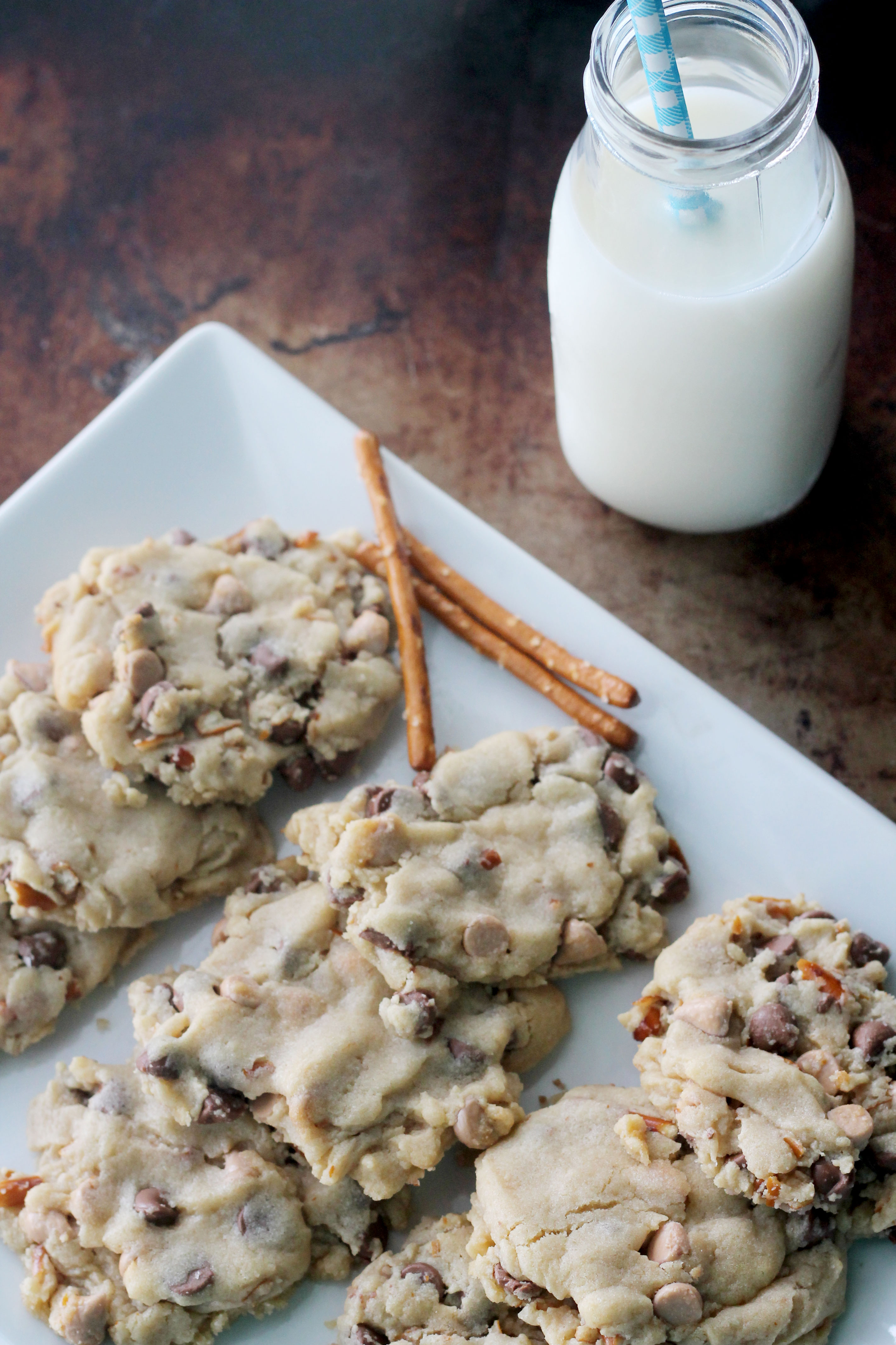 Salted Butterscotch Pretzel Chocolate Chip Cookies | Hall Nesting