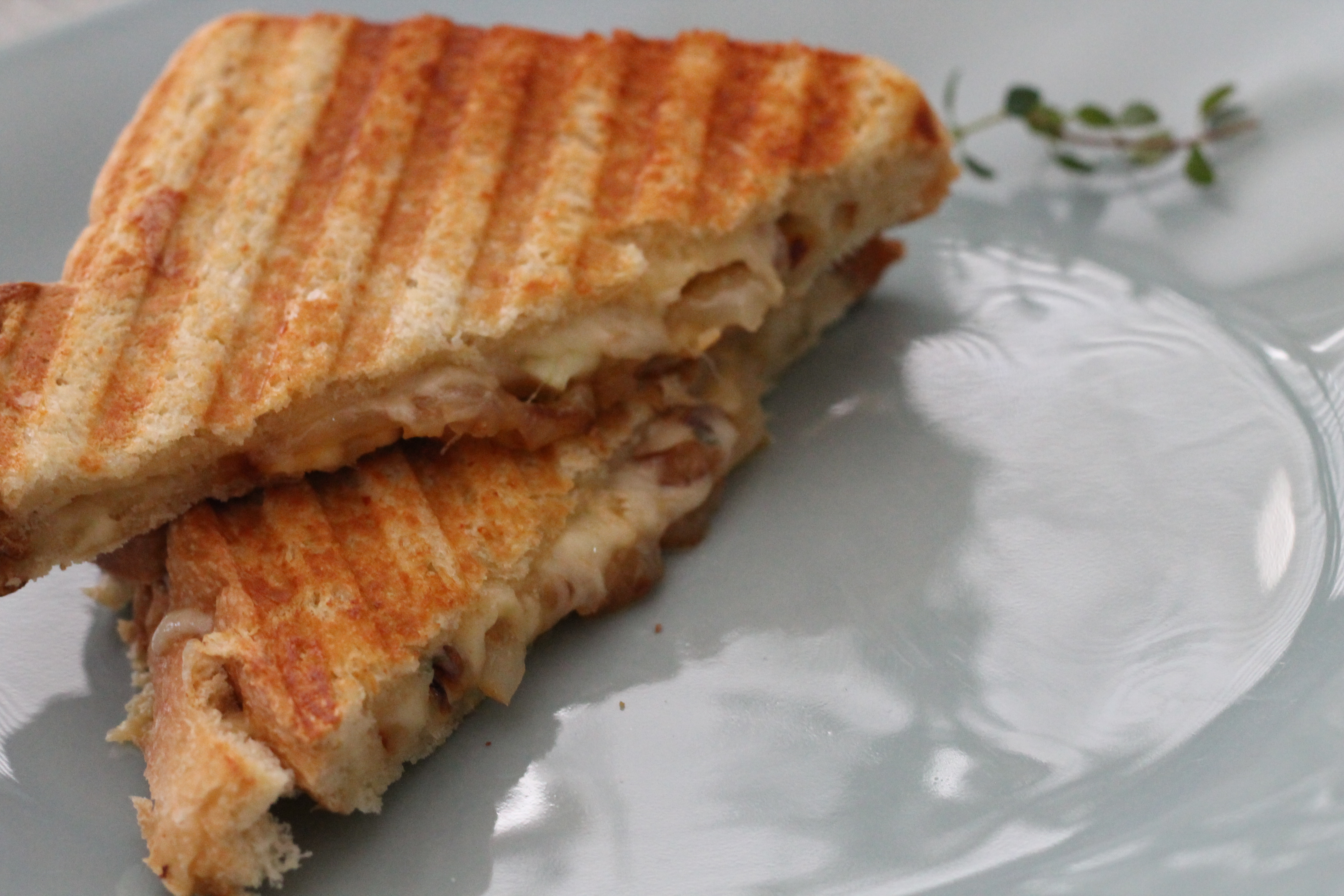 French Onion Grilled Cheese - Hall Nesting