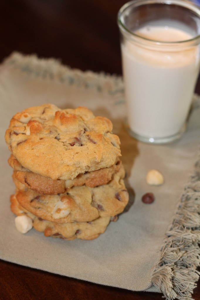Milk Chocolate Macadamia Cookies