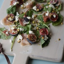 Figs with Goat Cheese and Prosciutto