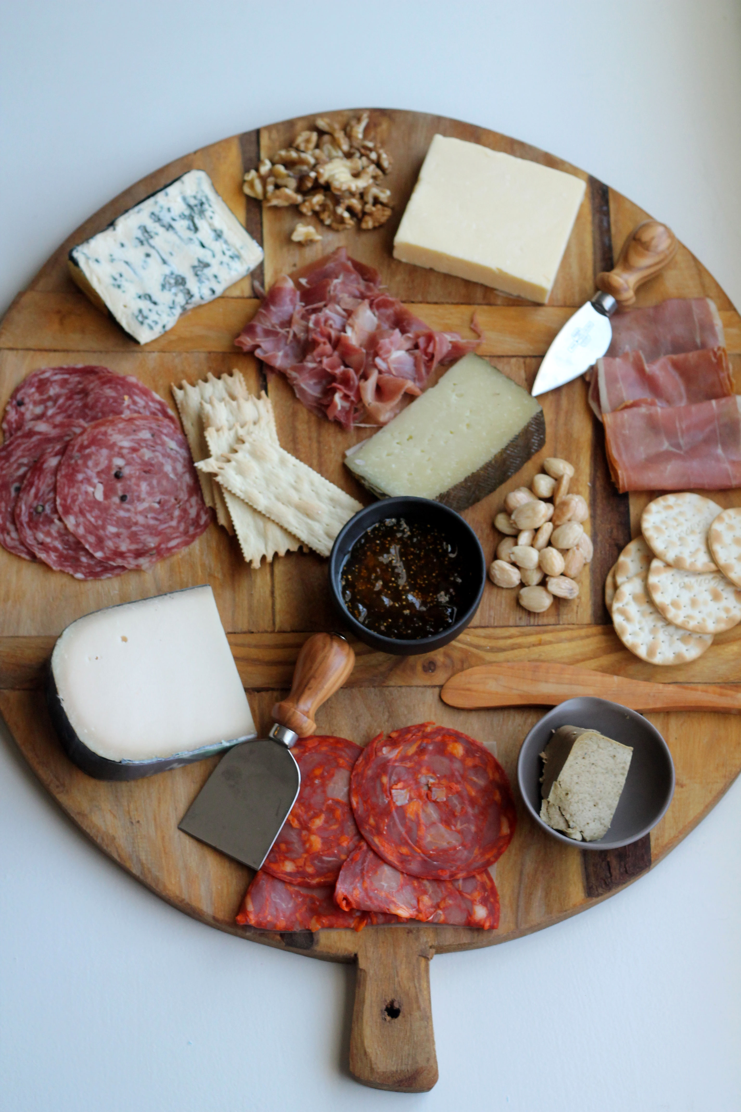 How to assemble the perfect cheese and charcuterie board