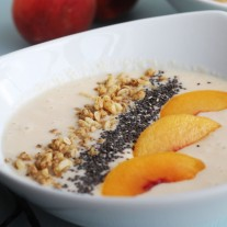 Peach Vanilla Smoothie Bowl